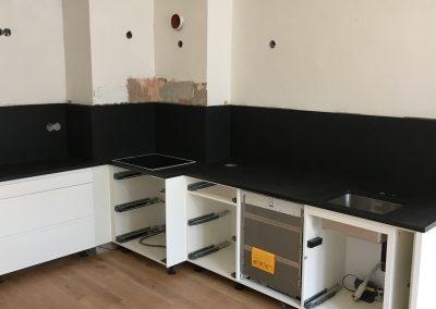 Kuchyn_Nero_Assoluto_Antic-2